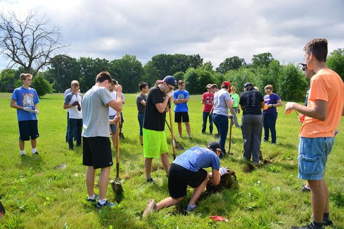 Kettering students construct newly-opened Mott Park Recreation Area Disc Golf Course