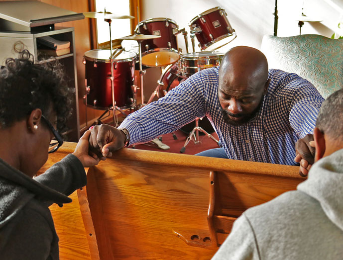 Help, Healing and Discovery: Pastor Jeff Hawkins shepherds a congregation of givers
