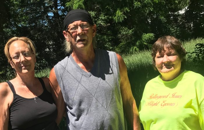 Blight be gone: Neighbors clean up Shady Acres Mobile Home Park