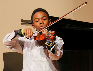Sphinx Overture offers Flint kids free violin lessons, music