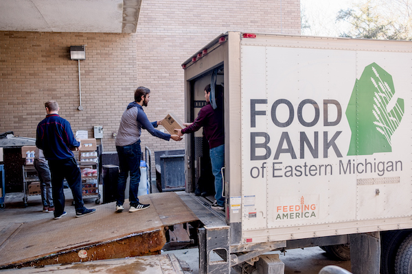 Mobile Food Pantry provides fresh fare and staples throughout September